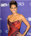 Halle Berry`nin Monique Lhuillier tercihi
